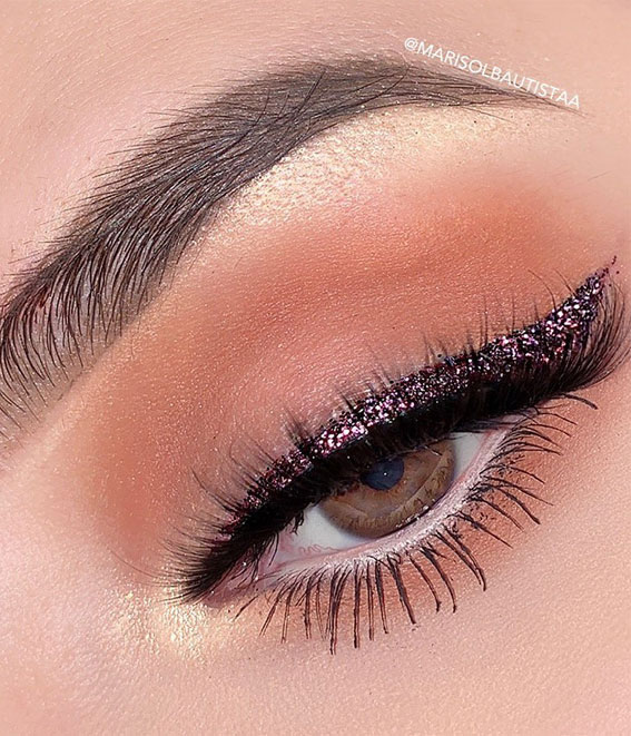 glitter eye liner, ye shadow look, eye makeup look, make up ideas , eye shadow makeup look