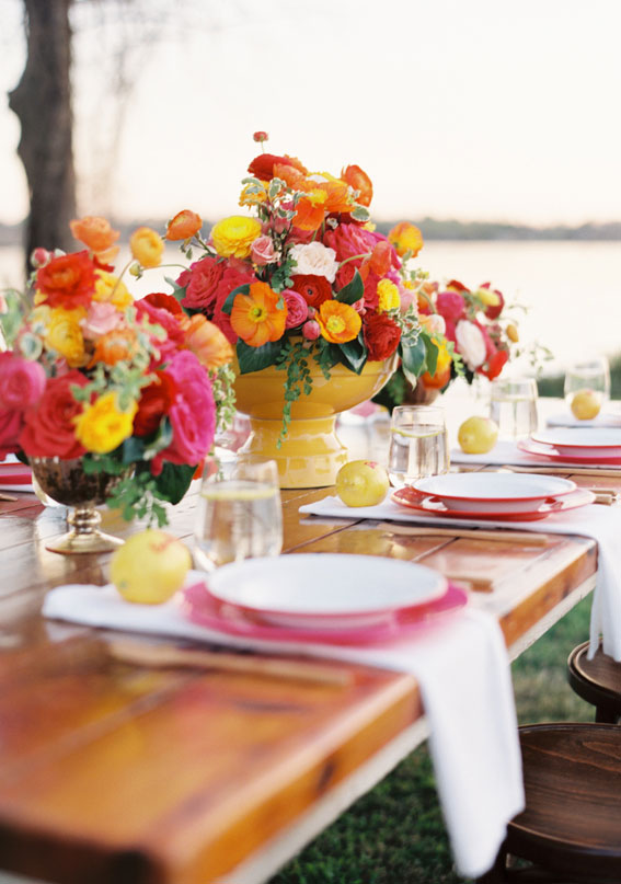 summer wedding table decoration, colorful wedding table
