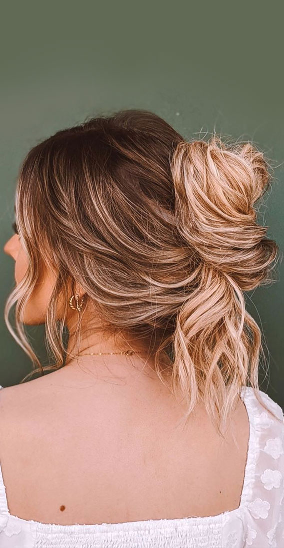 messy french twist, messy french bun, messy french updo