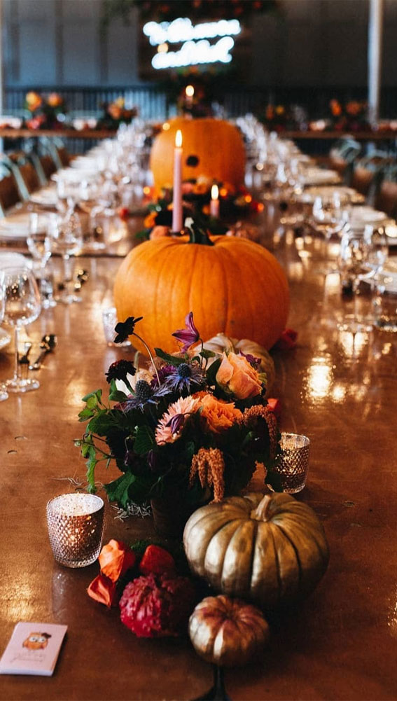 Pretty Ways to Dress Up Your Wedding Reception Tables : Pumpkin decor