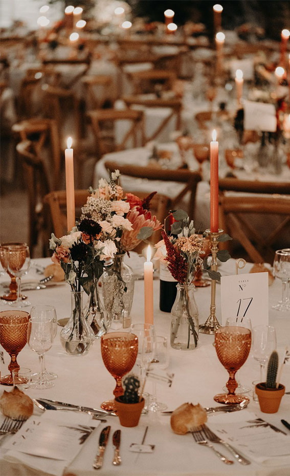 Pretty Ways to Dress Up Your Wedding Reception Tables :