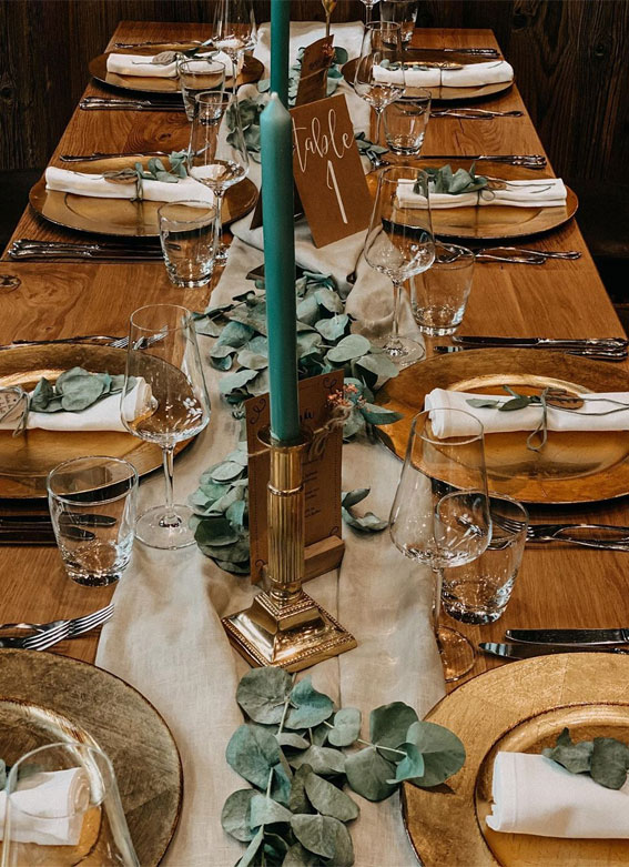 Pretty Ways to Dress Up Your Wedding Reception Tables : Rustic Wedding