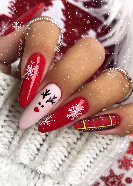14 Red Christmas Nails That'll Make Your Manicure Stand Out This Season