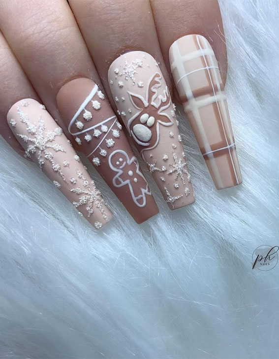 neutral christmas nails, christmas nail designs 2020, christmas nail designs 2020, christmas nail art, easy christmas nail art, christmas nail ideas, christmas nail designs acrylic, christmas nails, festive christmas nails, festive nails, holiday christmas nails