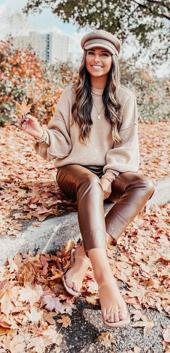 brown sweater with leather trousers, oversized jumper fall outfit, fall outfit, fall fashion, oversized jumper, autumn outfit , fall fashion 2020