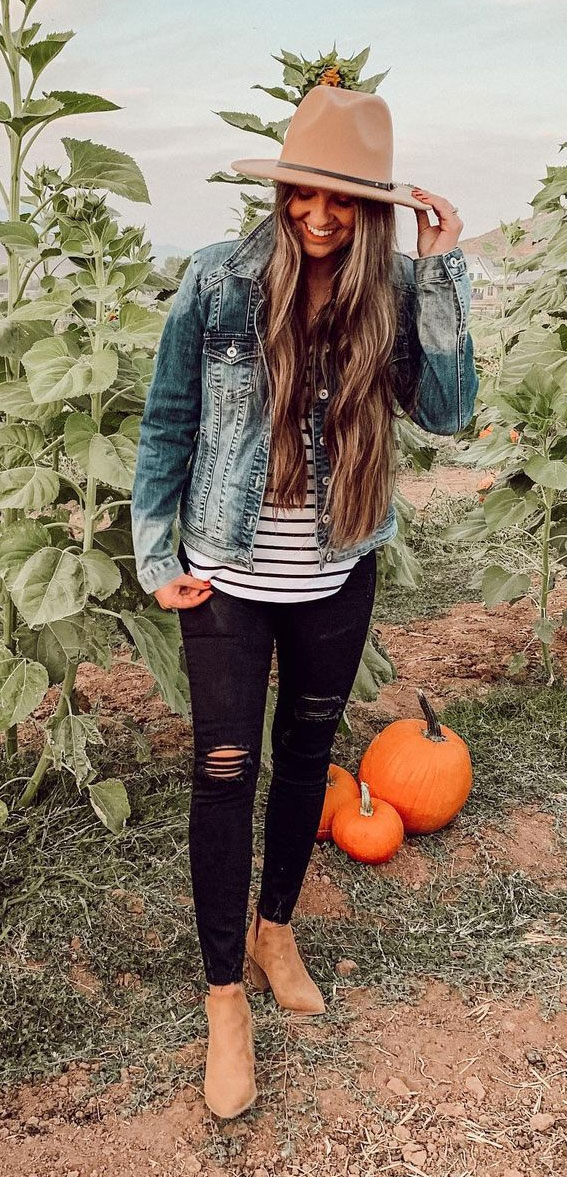 denim jackets with ripped jeans, oversized jumper fall outfit, fall outfit, fall fashion, oversized jumper, autumn outfit , fall fashion 2020