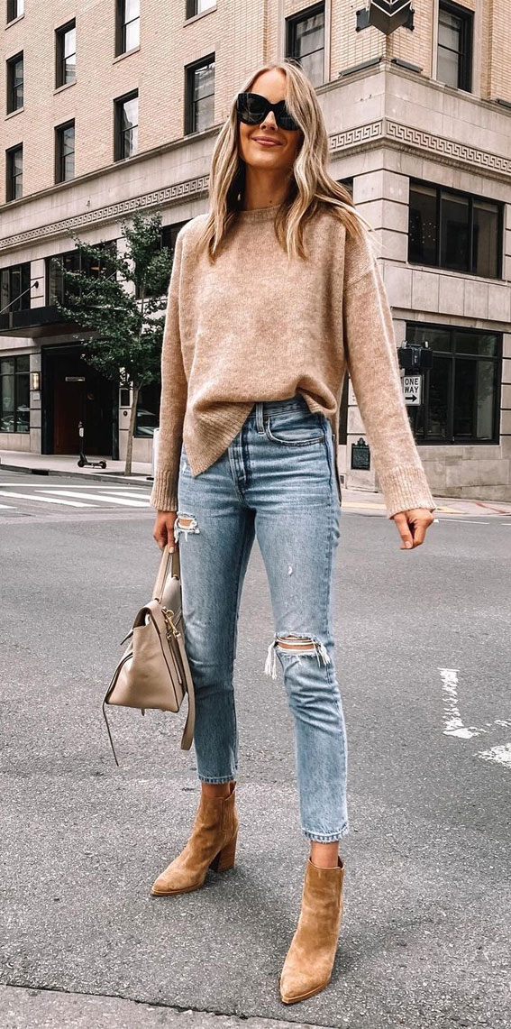 camel sweater with ripped jeans, oversized jumper fall outfit, fall outfit, fall fashion, oversized jumper, autumn outfit , fall fashion 2020
