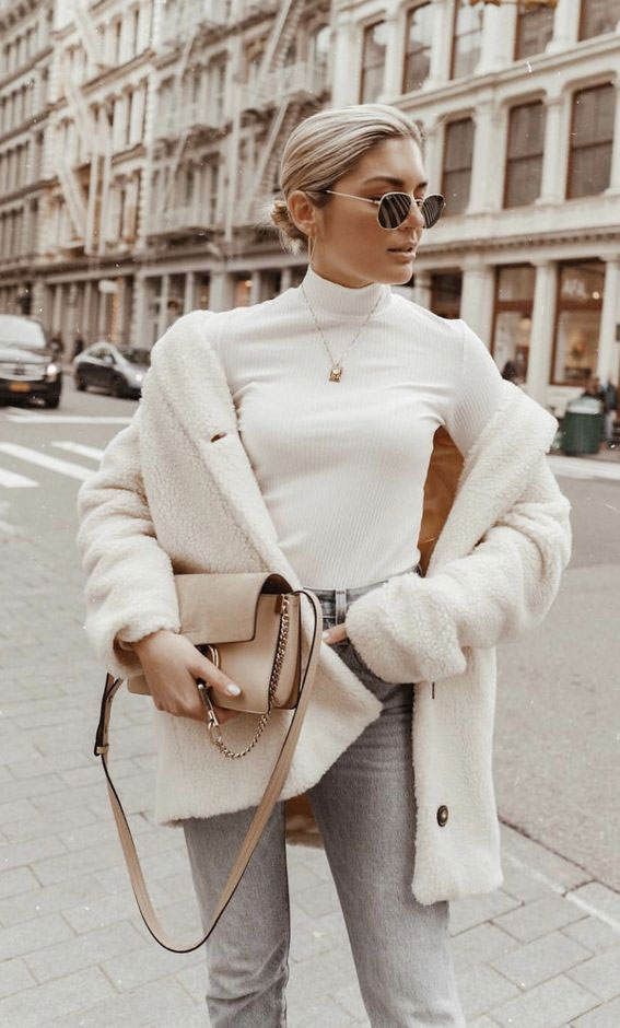 winter outfit, winter fashion, oversized jumper, winter outfit , winter fashion 2020, what to wear this winter, winter coats, winter coat ideas, winter fashion ideas, teddy bear coats, teddy bear jackets, teddy jacket outfits