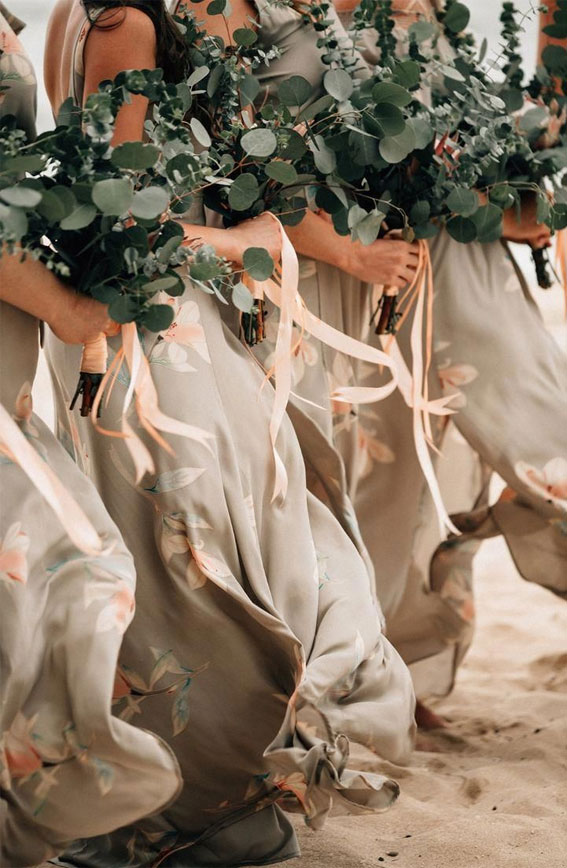 beige bridesmaid dresses, beige bridesmaid dress, beige bridesmaid dress with green bouquet, green wedding bouquet ideas 2021