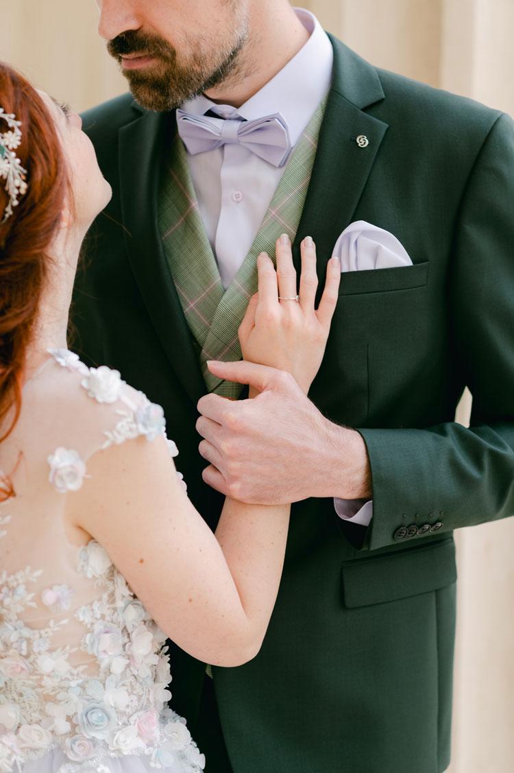 groom in green suit, green suit, green groom suit