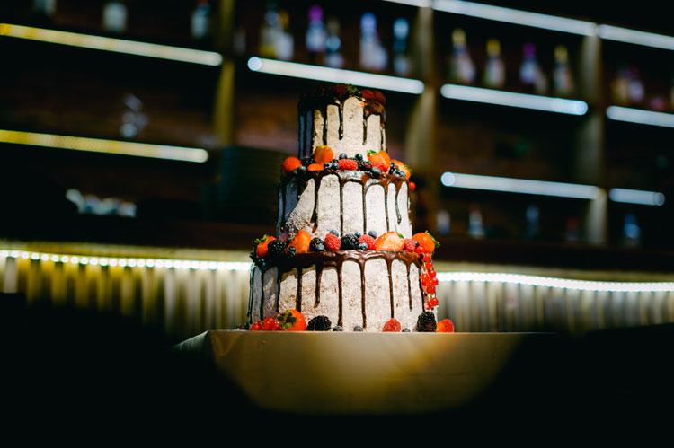 wedding cake, rustic wedding cake, wedding cake with summer fruits
