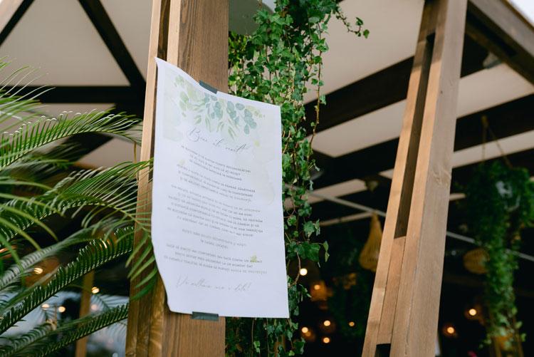 green and white wedding theme, intimate chic wedding, wedding reception decorations