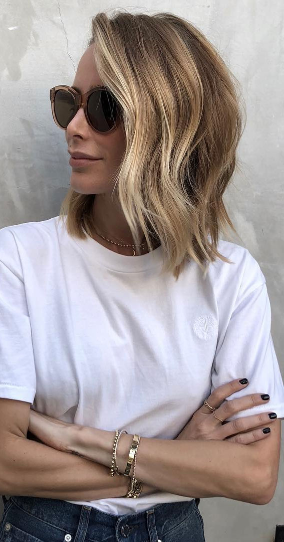 višeslojna bob frizura, ljetno plavo svjetlo za kosu, ljetno plava kosa 2021, ljetna plava boja za kosu, nijanse plave kose, boja kose, plava kosa, ljetna plava boja kose, medeno plava kosa, zlatno plava kosa