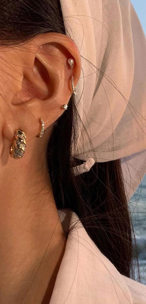 Ideje za piercing uha, piercing za uši, ideje za piercing u naušnicama, savršeno postavljanje piercinga u uhu, uređeni piercing u uhu, kurativni trend uboda piercinga, kurativni nakit za uši