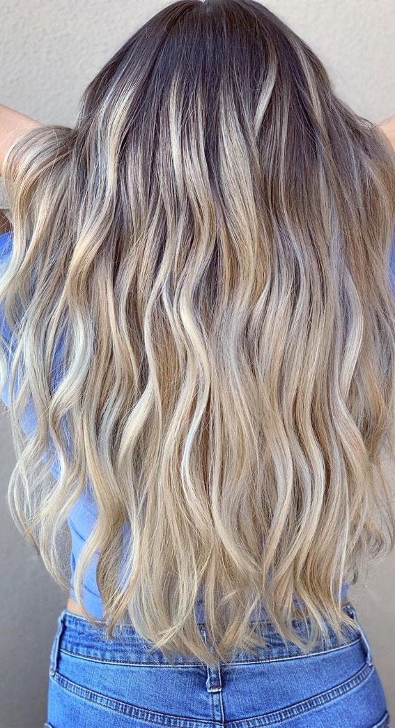 pješčano plave frizure 2021, pješčano plava boja za kosu, dugo slojevito pješčana plava kosa, ljetna plava kosa, duge plave frizure 2021, prirodna pješčano plava kosa, duge plave frizure, duga ravna plava kosa, srednje duga plava kosa, svijetle ideje o pješčano plavoj kosi