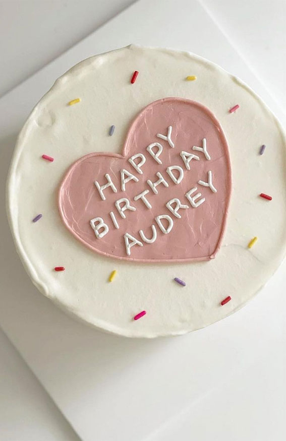 minimalist cake, minimalist birthday cake, how to make a simple birthday cake, simple birthday cake , chocolate birthday cakes, classic birthday cake, homemade birthday cake , chocolate birthday cake, small birthday cake , simple birthday cake images