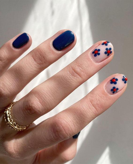 cute summer nails, dark blue nails, navy blue and daisy nails, summer nail ideas