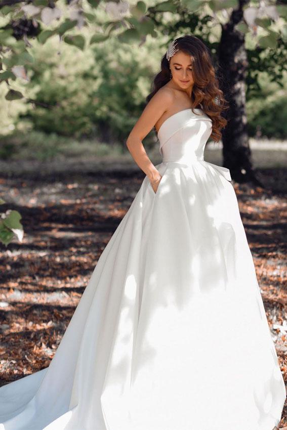 classic wedding dresses 2021, strapless wedding dress, wedding dress with pockets