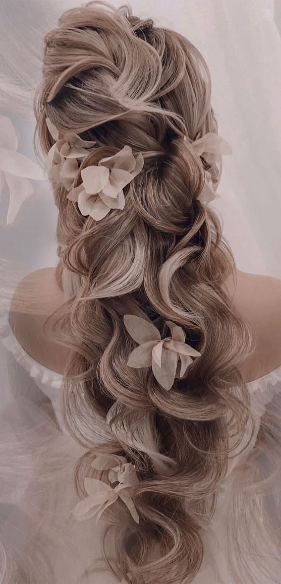 tousled wedding hairstyles, wedding hairstyles 2021, wedding hairstyles long hair, wedding hairstyles updo, wedding hairstyles medium hair, wedding hairstyles half up half down, wedding hairstyles with braids, wedding hairstyles with veil, wedding hairstyles down
