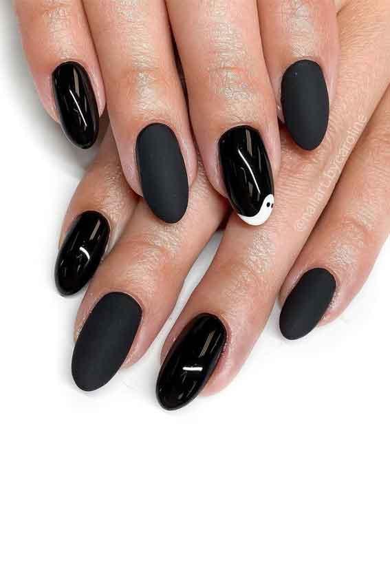 simple black halloween nails, simple halloween nails, matte black nails, halloween nails 2021, minimalist halloween nails