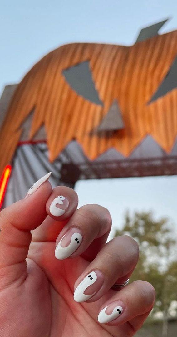 cute spooky halloween nails, halloween nails, halloween nail art, halloween nail designs 2021, halloween nails acrylic, halloween nails ghost, halloween nails coffin