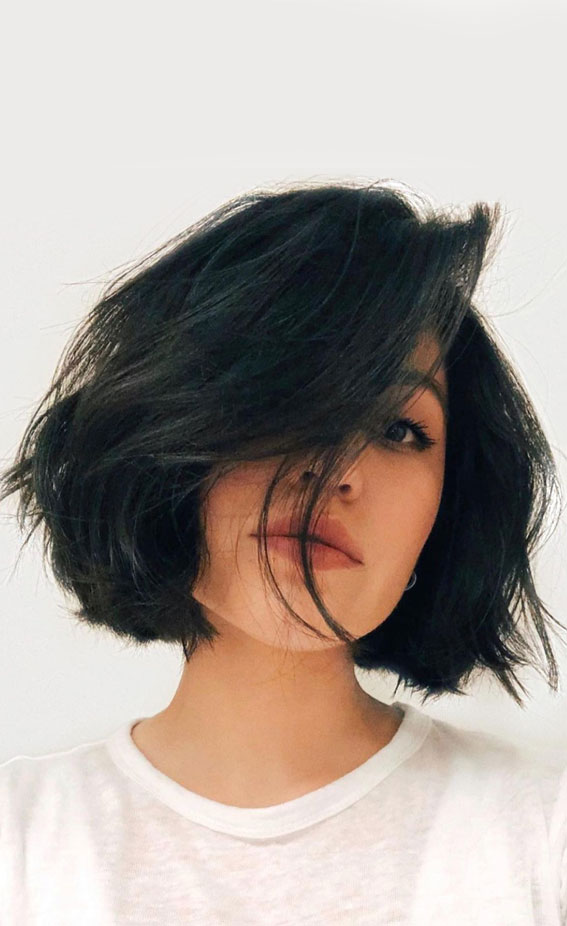 slimming haircuts for chubby faces, short hair for chubby face 2021, hairstyles for fat faces over 50, short hair for chubby face, short hairstyles for fat faces and double chins, medium haircuts for round faces 2021, best haircut for round face, hairstyle for round chubby face, chubby face medium length haircuts